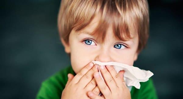 Почему рвота у ребенка без температуры и поноса