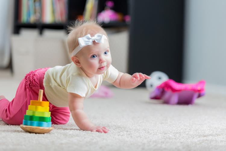 Играть с годовалым ребенком