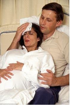Больно ли рожать в первый раз? На что похожа боль при родах