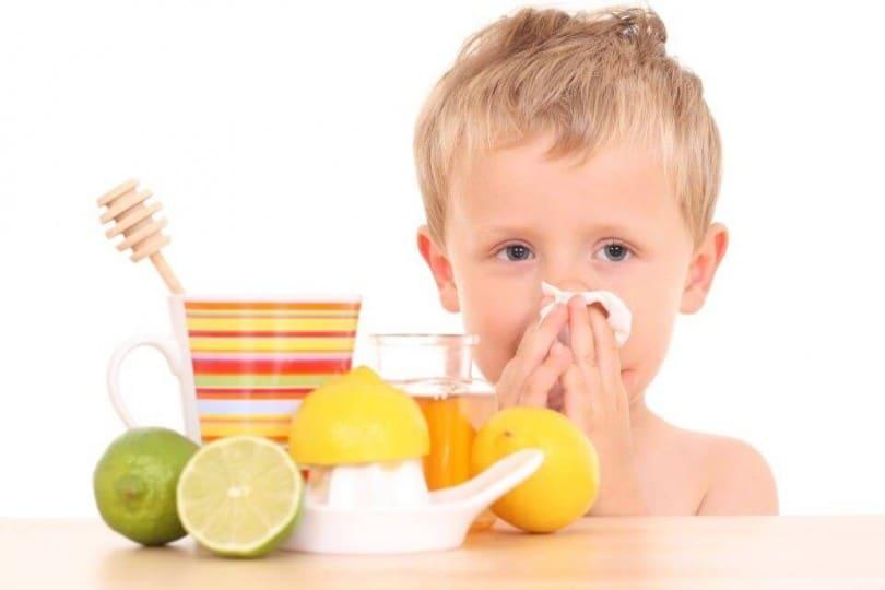 Как поднять иммунитет ребенку препаратами и народными средствами