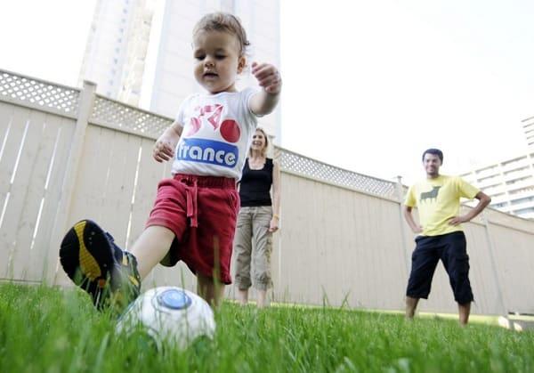 Как приучить ребёнка к спорту