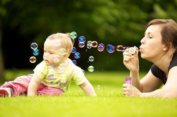 чем занять ребенка в 1 год дома