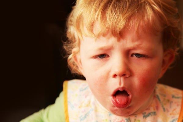 Почему у ребенка текут слюни