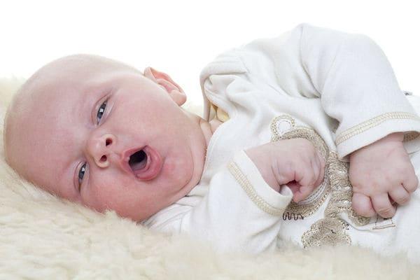 Кашель у малыша до года: всегда ли это симптом опасного заболевания?