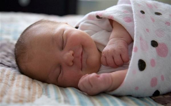 сколько спит месячный ребенок