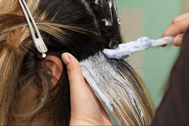 Беременным вредно наращивать волосы