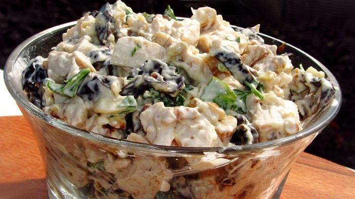Салатное блюдо Черная жемчужина